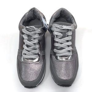 AIR BALANCE Sneakers Sz 8 NWT
